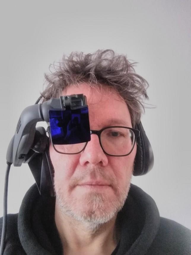 Cyborg-Look mit Xybernaut HMD